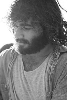 If you can pull of a beard AND long hair and still be hot....you have a true gift..