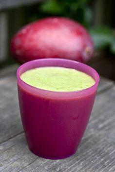 Green Tea Mango Smoothie - yum!! #skinnyms #smoothie #recipes