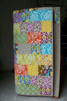 Simple but effective patchwork plain square blocks quilt