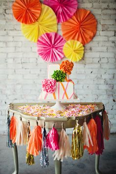 Una preciosa tarta neón / A beautiful neon cake