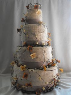 grey and peach theme wedding cake.
