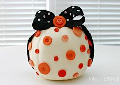 Decorate a Pumkin With Buttons and Ribbon