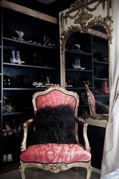 dressing room/closet via rue