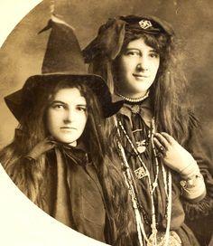 photographi viii, vintag witch, vintag halloween, friends, photographs, witchi, pumpkin, fans, fortune telling