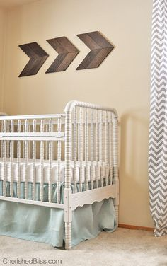 A precious Vintage Travel Themed Nursery. Such a beautiful room! @tinkerwiththis I think you need this!!