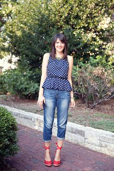 Perfect polka dots--rolled jeans--red espadrilles! This look is perfect for your weekend picnic plans.
