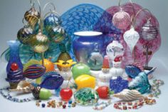 Thames Glass Glassblowing Studio & Gallery--Experience glassblowing!  Make your own ornament or paperweight!  Watch skilled glassblowers craft molten glass into vases, ornaments, fish, fruits, vegetables, snowmen, and other original designs by Matthew Buechner.  Since 1981.