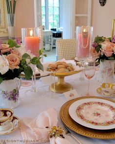 Mother's Day tablescape with mismatched vintage china and tea cups from Designthusiasm.com #tablesetting #vintagechina #eventdecor #tablescape