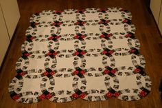 Double Wedding Ring quilts are one of my favorite patterns! #quilt
