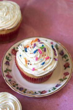 Vanilla Vegan Cupcakes and other vegan cupcakes recipes - MyNaturalFamily.com #vegan #cupcakes #recipe