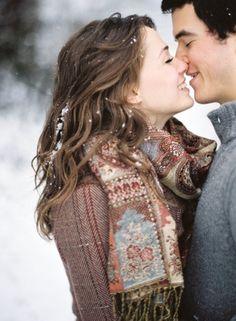 a kiss, romanc, engagement pictures, the kiss, engagement pics, coupl, engagement photography, winter engagement photos, kisses