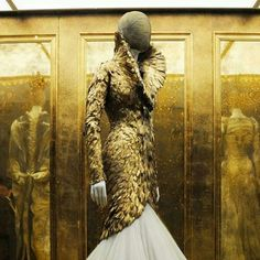 Alexander McQueen 2010 (his last collection)