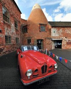 A POPULAR South Derbyshire attraction has been lauded for consistently conjuring up new, imaginative ways to improve its offering for visitors.