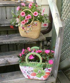 garden junk, thrift garden, store purs, upcycled planters, wicker purs, flower, purse planter