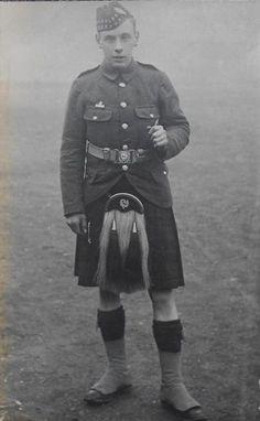 Pte in the 9th TF Bat, Royal Scots. Photo taken by O. Davis, 16 Princes St, Edinburgh.