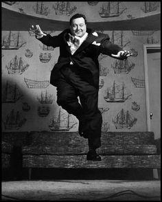 Jackie Gleason, 1955.  © Philippe Halsman / Magnum Photos