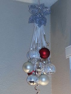 DIY hanging Christmas decor. I'm noticing the majority of my Christmas pins are all bulb decorations