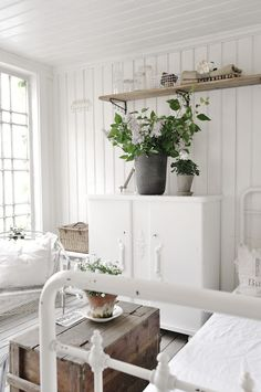 decor, idea, cottag, white lights, white rooms, vintage interiors, white interiors, country bedrooms, screened porches