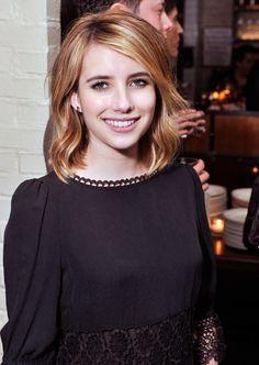 Emma Roberts Medium Wavy Cut