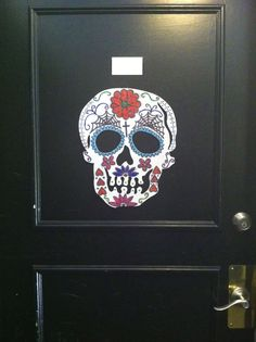 DIY Dollar Project: Day of the Dead Door Skull #diadelosmuertos