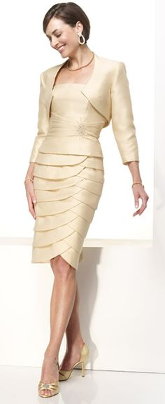 2011 Knee Length Grey Two Pieces Elegant Mature Formal Mother of Bride Dresses