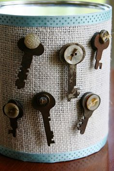 old key magnets..... love this idea!