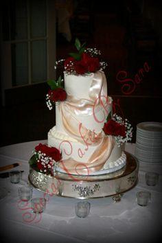 Barnsley Gardens Wedding Cake