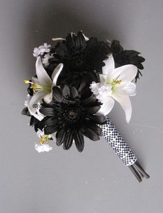 checkered ribbon wedding bouquet for NASCAR racing wedding