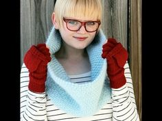Free pattern for faux weave cowl from Heidi of Hands Occupied.