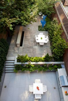 Small gardens on pinterest tuin garden design and small for Small townhouse gardens