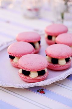 Hot Pink, Black and White Wedding on Pinterest | 45 Pins