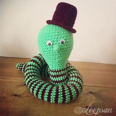 Mr Edison Watts – The Lightbulb Snake- Free pattern