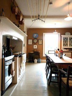 Ben Pentreat Dorset Parsonage Eat-in Kitchen | Remodelista