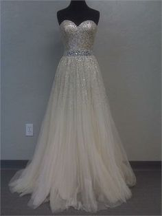 I'm not going to pin wedding stuff but ya know this is the most beautiful dress I've ever seen!