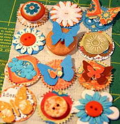 Making your own embellishments - very inspiring!