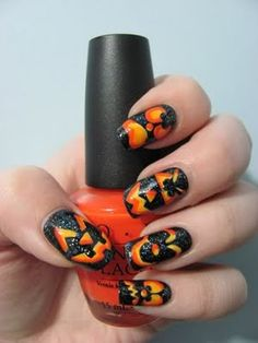 Love these nails for Halloween!