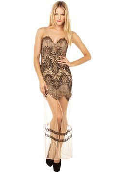 Lacey Lady! Look & Feel Sexy in our Pretty In Lace Maxi Dress in Black!