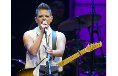Photos: Dixie Chicks in Vancouver....i LOVE the Dixie Chicks - wish i could hear one of their upcoming concerts!!!