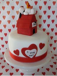 snoopy valentine cake
