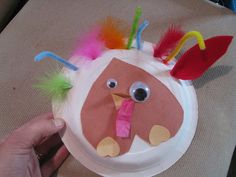 A fine motor turkey craft that works on tripod grasp, pincer grasp, finger isolation, and intrinsic muscle strength. By Sugar Aunts