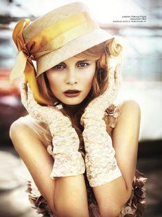 Karolina Bien wearing a hat for Makatowska 41. Photo by  Maciej Bernas for Estilo.
