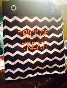Thirty-One Essential Storage Tote ... Use it to collect Halloween candy. :).