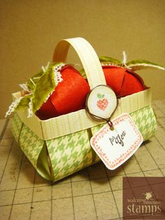 Waltzingmouse Makes -- free Strawberry basket template / cut file http://waltzingmouse.blogspot.ca/2012/07/freebie-strawberry-suite-templates-and.html
