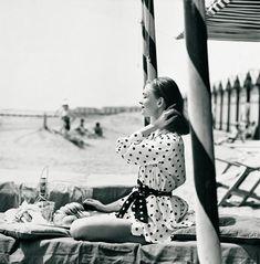 vintage photo / polka dots