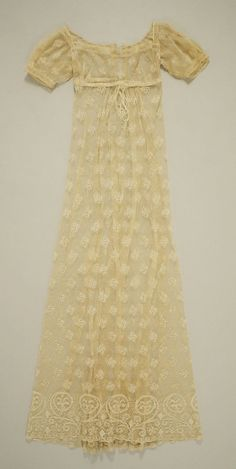 Dress, 1805–10, French. In the Metropolitan Museum of Art collection. (More pictures of this dress are available on the museum's website.)
