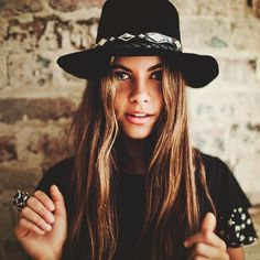 pretty hat on a pretty girl #style #fashion #hair #beauty