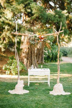 ceremony altar, photo by @Daniel Morgan Morgan Morgan Cruz styling by @Collette Vickers Vickers Vickers Budd http://ruffledblog.com/romantic-lake-gregory-wedding #ceremony #altar #weddingideas