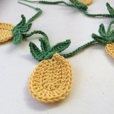 Quick  easy crochet pattern for this totally tropical string of pineapple bunting, wow, summery : thanks so xox