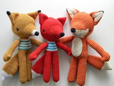 knit toys // foxes