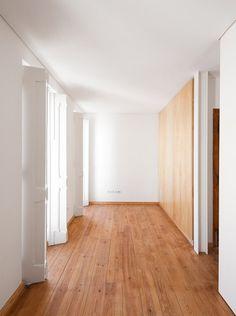 Wood, white.